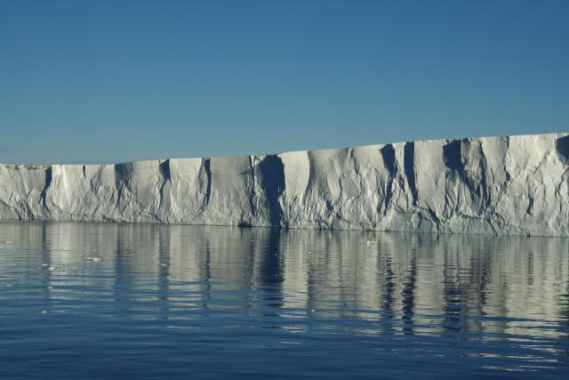 Pine Island Ice Shelf (2007)
