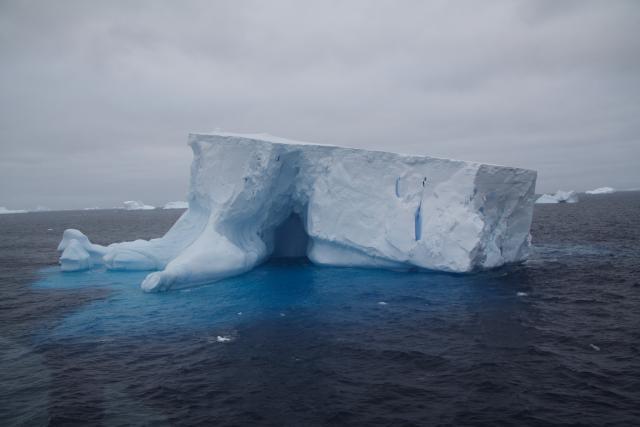 Iceberg (2007)
