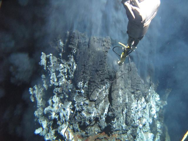 Black smoker at Galapagos Ridge (2010)